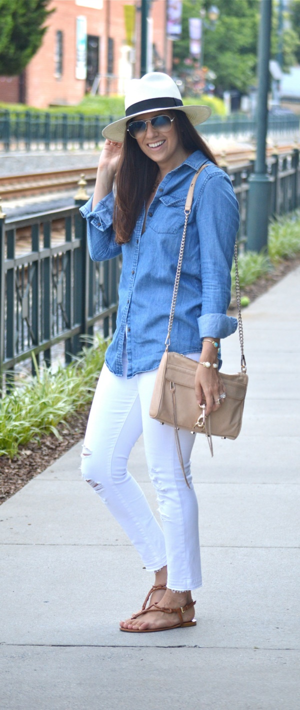 ways-to-style-your-white-jeans-at-work