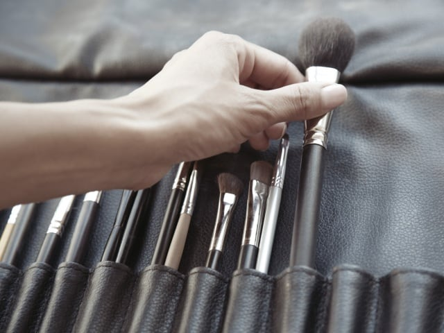 10 Makeup Brushes That Will Transform Your Looks   How to Use