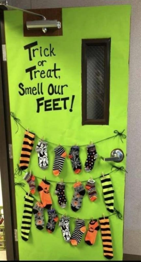 Spooky Halloween Party Door Decoration Ideas