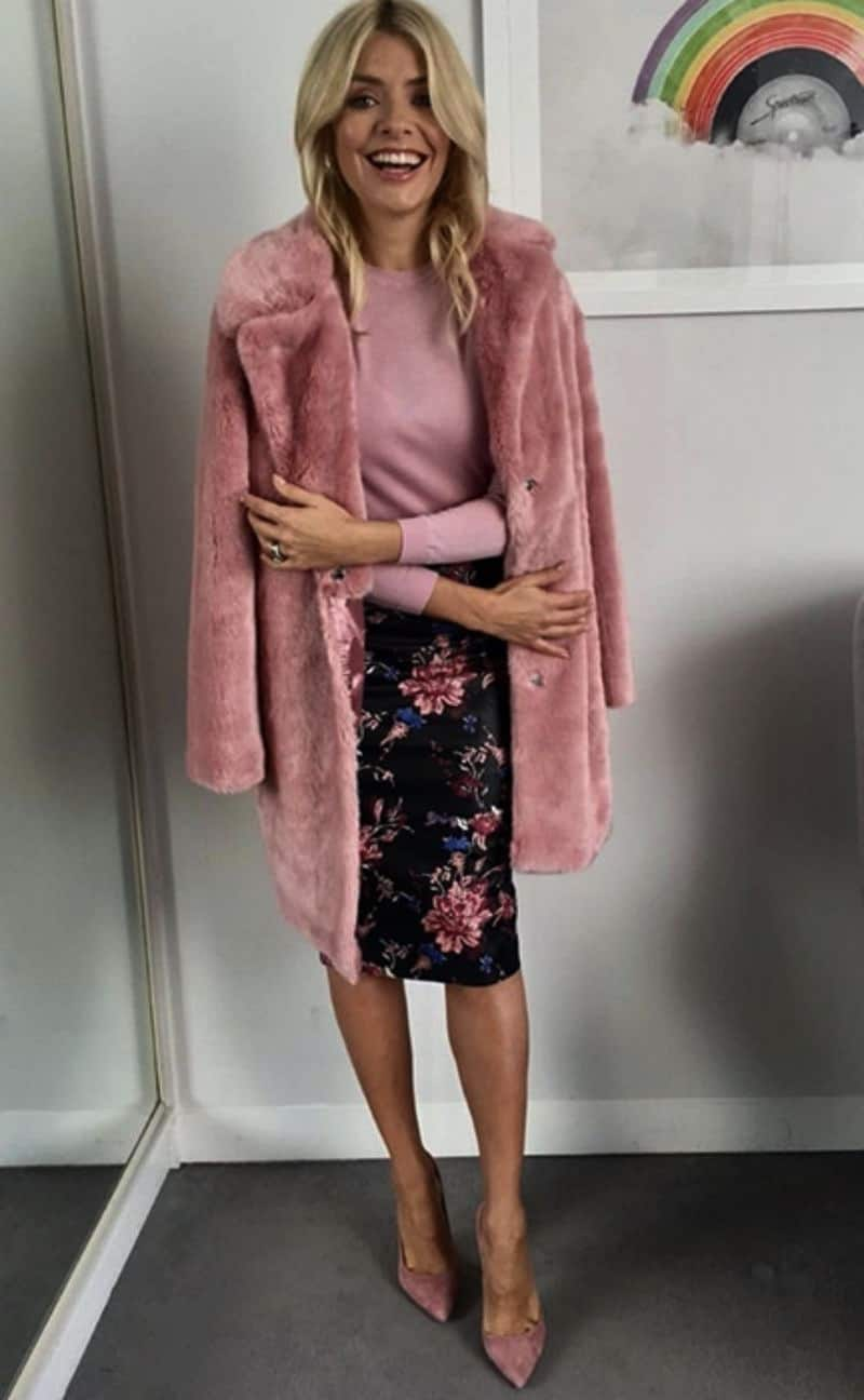 fur coat work outfits