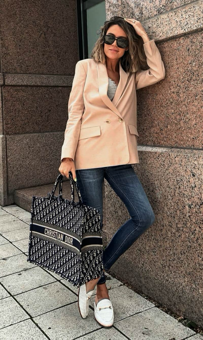 37 Non-Boring Work Outfit Ideas for Career Women