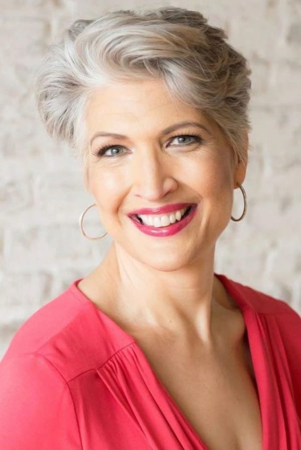 37 Gorgeous Short Hairstyles for Older Women Over 60 ...