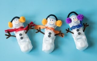 60+ DIY Snowman Craft Ideas For This Winter